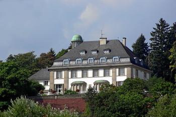 Villa Reverchon Ostauffahrt Markusberg.