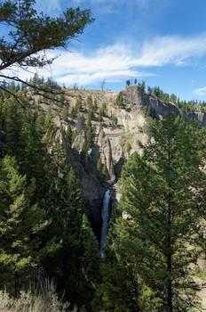 Wasserfall inklusive.