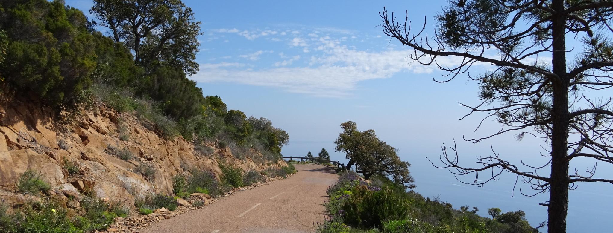 Vom blau glitzernden Mittelmeer...